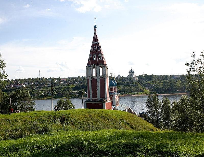 Крестный ход с чудотворной иконой Всемилостивого Спаса в Тутаеве (Ярославская область)