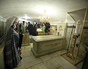 Избранный Патриарх совершил в Троице-Сергиевой лавре заупокойные службы у гробниц Московских Патриархов Алексия I и Пимена
