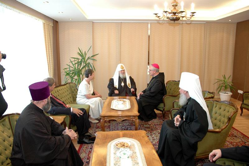 Встреча Святейшего Патриарха Алексия с Послом Венгрии в России Ф. Контра и настоятелем Паннонхалмского аббатства епископом Астриком Варсеги