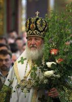В праздник Пятидесятницы Святейший Патриарх Кирилл совершил Божественную литургию в Успенском соборе Троице-Сергиевой лавры