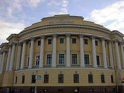 Предстоятель Русской Церкви совершил освящение восстановленного храма в историческом здании Синода в Санкт-Петербурге