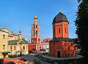 Возрождена монашеская жизнь в древнем московском Высоко-Петровском монастыре