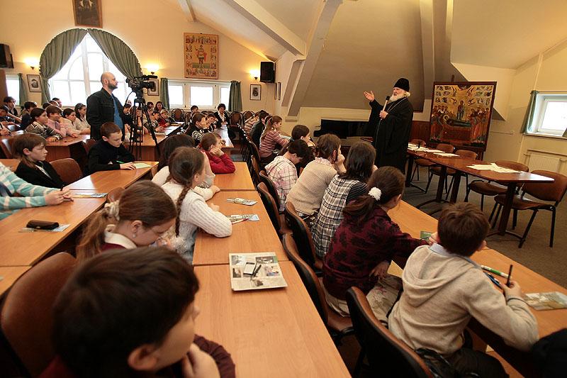 Проведение олимпиады школьников по основам православной культуры в общероссийском масштабе было предложено в 2007