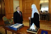 Святейший Патриарх Кирилл: «Церковь работает над тем, чтобы были сняты лишние средостения»