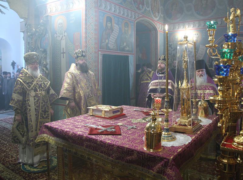 Патриаршее служение в субботу первой седмицы Великого поста. Божественная литургия в Высоко-Петровском монастыре.