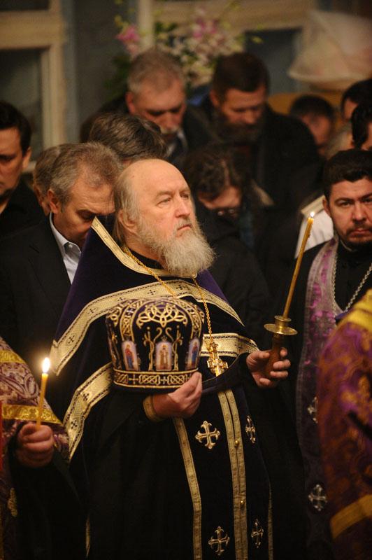 Патриаршее служение в храме бывшего Заиконоспасского монастыря в канун праздника Торжества Православия