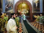 В праздник Входа Господня в Иерусалим Святейший Патриарх Кирилл совершил Божественную литургию в Храме Христа Спасителя