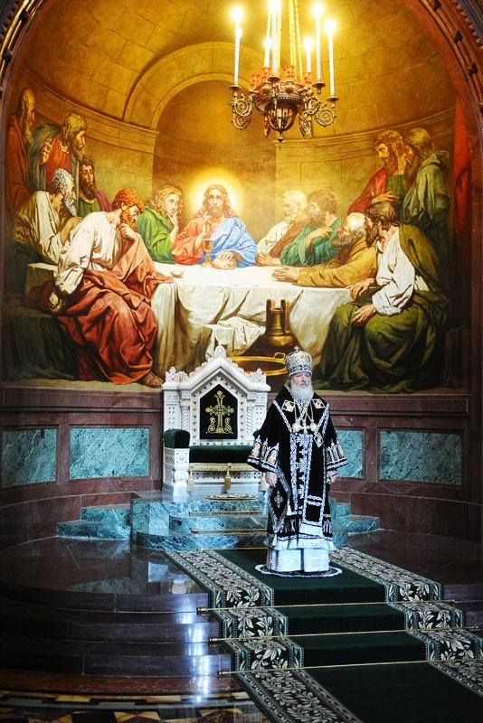Патриаршее служение в Великую пятницу. Вечерня с выносом Плащаницы в Храме Христа Спасителя.