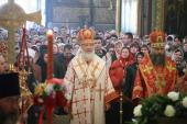 В четверг Светлой седмицы Святейший Патриарх Кирилл совершил Божественную литургию в Успенском соборе Троице-Сергиевой лавры