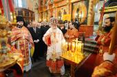В день Радоницы Святейший Патриарх Кирилл совершил Божественную литургию и поминовение усопших в Архангельском соборе Кремля