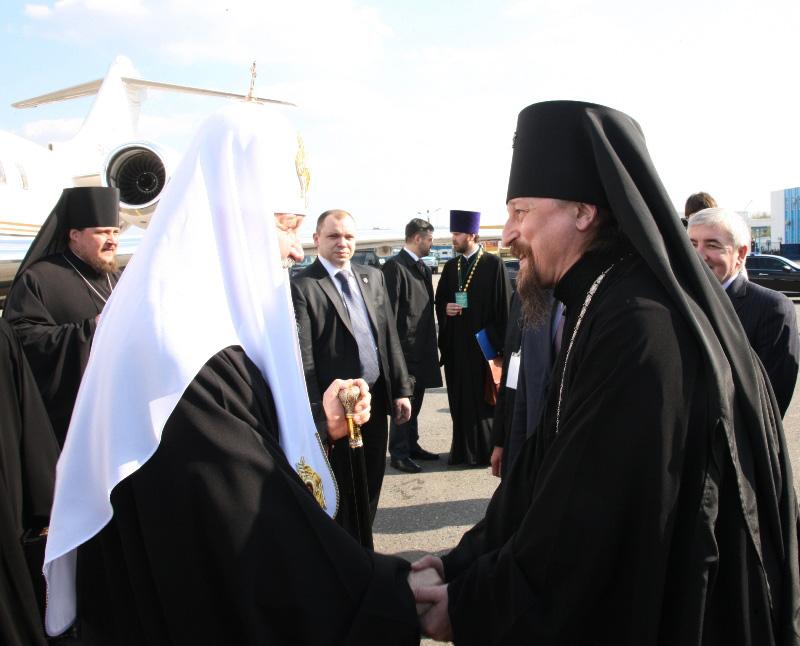 Патриарший визит в Белгородскую епархию. Встреча в аэропорту.