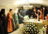 Предстоятель Русской Церкви совершил панихиду по приснопамятному Святейшему Патриарху Пимену