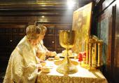 В день Святого Духа и праздник святых равноапостольных Кирилла и Мефодия Предстоятели Константинопольской и Русской Православных Церквей совершили Божественную литургию в Храме Христа Спасителя