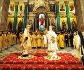 Предстоятели Константинопольской и Русской Православных Церквей совершили Божественную литургию в Исаакиевском соборе Санкт-Петербурга