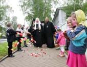 Святейший Патриарх Кирилл посетил Крестовоздвиженский собор и дом общины Спасо-Кижского Патриаршего подворья в Петрозаводске