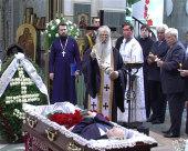 Патриарший экзарх всея Беларуси совершил отпевание бывшего мэра Минска Михаила Павлова