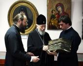 Блаженнейший митрополит Владимир посетил Церковно-археологический кабинет Киевской духовной академии
