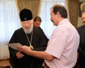 Блаженнейшему митрополиту Владимиру вручено разрешение на выполнение работ по строительству кафедрального собора Украинской Православной Церкви