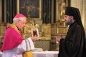 Русской духовной семинарии во Франции передана частица мощей преподобной Женевьевы Парижской
