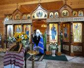 Патриарший экзарх всея Беларуси освятил новый иконостас в минском храме в честь святого Иоанна Крестителя