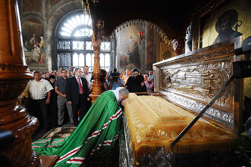 Первосвятительский визит в Липецкую епархию. Божественная литургия в Задонском Рождество-Богородицком монастыре
