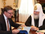 Святейший Патриарх Кирилл встретился с президентом Торгово-промышленной палаты Москвы Л.В. Говоровым