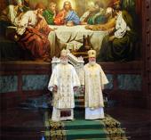 В праздник Собора Московских святых Предстоятели Александрийской и Русской Церквей совершили Божественную литургию в Храме Христа Спасителя