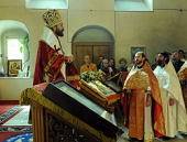 Митрополит Волоколамский Иларион впервые совершил Божественную литургию в храме Черниговского подворья