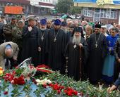 Архиепископ Феофан совершил панихиду на месте теракта во Владикавказе