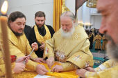 Святейший Патриарх Кирилл совершил чин великого освящения Троицкого кафедрального собора города Петропавловска-Камчатского