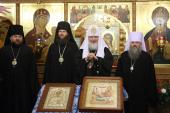 Предстоятель Русской Церкви посетил храм в честь святителя Николая Чудотворца в Южно-Сахалинске