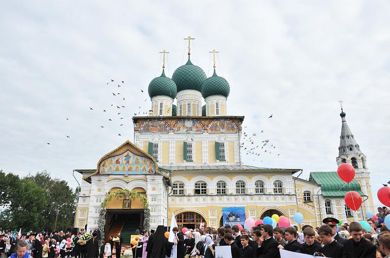 Первосвятительский визит в Ярославскую епархию. Посещение г. Тутаева