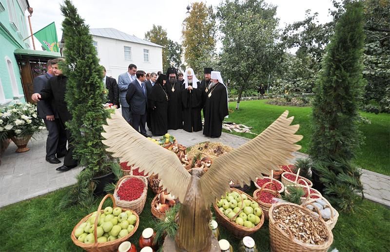 Первосвятительский визит в Ярославскую епархию. Посещение Крестовоздвиженского храма Свято-Введенского Толгского женского монастыря