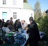 Отдел внешних церковных связей продолжает программу по оказанию помощи пострадавшим от природных пожаров 2010 года