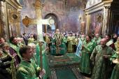 В канун дня памяти преподобного Сергия, игумена Радонежского, Предстоятель Русской Церкви совершил всенощное бдение в Троицком соборе Троице-Сергиевой лавры