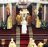 Предстоятель Русской Церкви совершил Божественную литургию в восстанавливаемом Свято-Никольском Морском соборе в Кронштадте