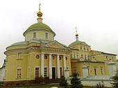 В престольный праздник Екатерининского монастыря в г. Видное митрополит Крутицкий Ювеналий совершил Литургию в обители
