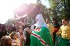 Молебен у памятника Крестителю Руси на Владимирской горке в Киеве