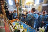 Святейший Патриарх Кирилл совершил молебен у раки с мощами святителя Тихона, Патриарха Всероссийского, в Донском монастыре
