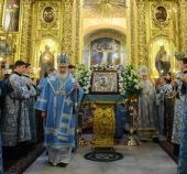 Святейший Патриарх Кирилл совершил утреню с чтением Акафиста Пресвятой Богородице в Богоявленском кафедральном соборе