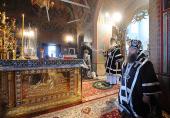 В Великий понедельник Святейший Патриарх Кирилл совершил Литургию Преждеосвященных Даров в Высоко-Петровском монастыре