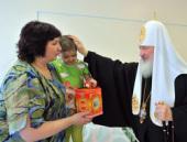 В день Святой Пасхи Святейший Патриарх Кирилл посетил НИИ детской онкологии