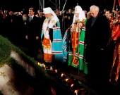 В ночь на 26 апреля Предстоятель Русской Церкви совершил литию у мемориала «Героям Чернобыля» в Киеве