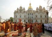 В среду Светлой седмицы Святейший Патриарх Кирилл возглавил служение Божественной литургии в Киево-Печерской лавре