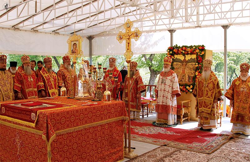 http://p2.patriarchia.ru/2011/05/21/1233175140/2_VSN0271.jpg
