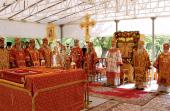 В день Собора новомучеников, в Бутове пострадавших, Предстоятель Русской Церкви совершил Божественную литургию на Бутовском полигоне
