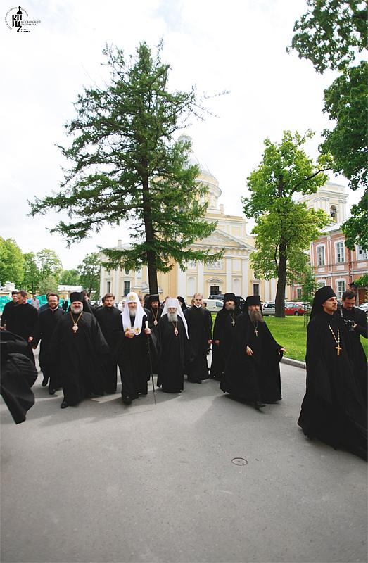 http://p2.patriarchia.ru/2011/05/29/1233182708/2_Z7V0061.jpg