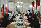 Под председательством Святейшего Патриарха Кирилла в Санкт-Петербурге открылось очередное заседание Священного Синода
