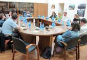 Председатель Синодального информационного отдела обсудил с журналистами образ Церкви в отечественных СМИ
