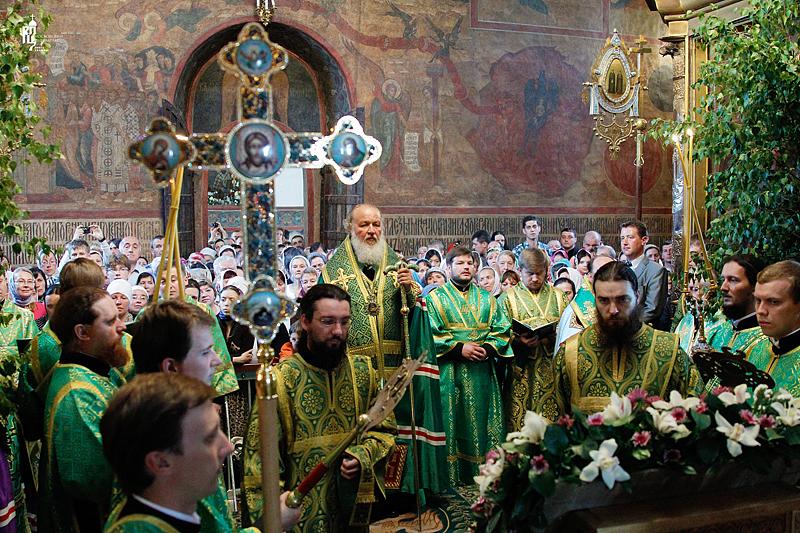 http://p2.patriarchia.ru/2011/06/11/1233222796/2_VSN0202.jpg